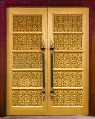 Elegance wood carving door — Stock Photo