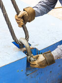 Fitting bolt anchor shackle with wire rope sling — Foto Stock