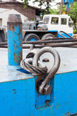 Bullone anello di Grillo e la fune metallica di ancoraggio — Foto Stock