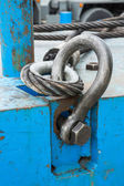 Bolt anchor shackle and wire rope sling — Stock Photo