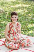 Asian pregnant woman — Stock Photo