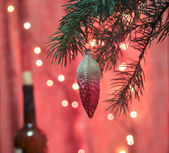 Decoration of a coniferous tree at Christmas. — Stock Photo