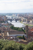 Italy, Florence, famous Ponte Vecchio and Arno river — Stock Photo