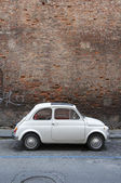 JUNE - JUNE 13: A Fiat 500 on June 13, 2014 on the street of Pisa — Stock Photo