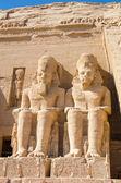 Statyer av ramses ii vid abu simbel, egypten — Stockfoto