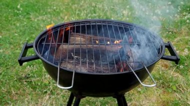 Grill for grilling — Stock video