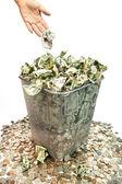 Geld weg te gooien — Stockfoto