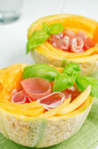 Jamón jamón en melón — Foto de Stock