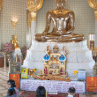 Golden Sitting Buddha in Wat Traimit — Stock Photo