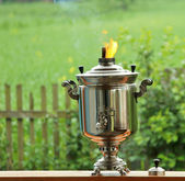 Traditional old russian tea kettle. Samovar. Daylight — Stock Photo