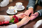 Hands of loving couple — Stock Photo