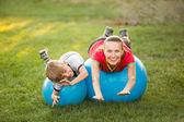 Summer fun. Happy sport family outdoor — Zdjęcie stockowe