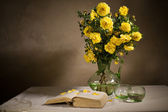 Still life with flowers — Stok fotoğraf