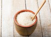 Il riso nella ciotola in ceramica — Foto Stock