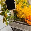 Postcard with yellow flowers. Autumn theme. — Stock fotografie