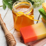 Honey spa. Bar of natural handmade soap iwith honey. — Stock Photo