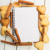 Note and cookies — Stock Photo