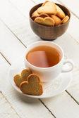 свежие печенье и чай — Стоковое фото