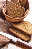 Bochenek krojonego chleba — Zdjęcie stockowe