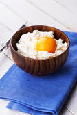 Cottage cheese and egg — Stock Photo
