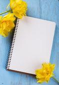 メモと花 — ストック写真