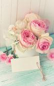 明信片与玫瑰 — 图库照片