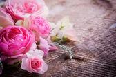 明信片与鲜花 — 图库照片