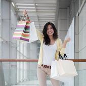 Asian woman shopping — Stock fotografie