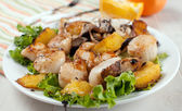 Seafood salad with scallops, mushrooms and oranges — Stock Photo