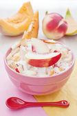 Yogurt and fruit breakfast salad — Stock fotografie