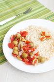 詰めオリーブとトマトのサラダ — ストック写真