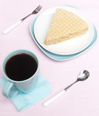 Cake and a cup of coffee — Stock Photo