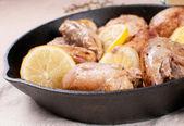 Coxas de frango com limão — Fotografia Stock