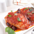 Braised chicken thighs with tomato sauce — Stock Photo #28627503