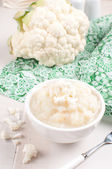 Cauliflower puree and raw vegetable — Stock Photo
