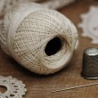 Foto Stock: Needle and thread, knitting