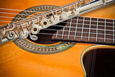 The flute and the Guitar — Stock Photo