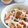 Stockfoto: Fried Chicken Salad in Bowl