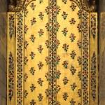 A door inside the golden pagoda at Wat Phra Kaew — Stock Photo #30571747