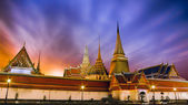 Scene of Wat Phra Kaew's Pagodas From the Grand Palace of Thailand — Stock Photo