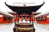 Quemador de incienso en el templo de asakusa sensoji — Foto de Stock