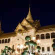The Chakri Maha Prasat Throne Hall in The Middle Court of Grand Palace of Thailand — Foto de Stock