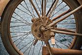 Vieja rueda oxidado motos vintage — Foto de Stock