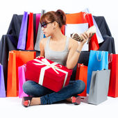 Young Asian Woman with Shopping Bags — Stockfoto