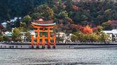 Great floating gate (O-Torii) in Miyajima, Hiroshima — Stock Photo