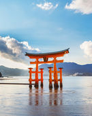 Great floating gate (O-Torii) on Miyajima island — Stock Photo