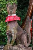 Kitsune sculpture at Fushimi Inari-taisha shrine in Kyoto — ストック写真
