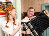 Pareja rusa en traje nacional — Foto de Stock