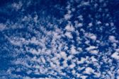 Blue sky with cirrus clouds — Stock Photo