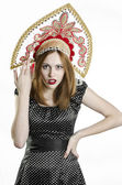 Dívka s kokoshnik — Stock fotografie